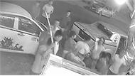 Video hỗn chiến tại quán nhậu ở Đắk Lắk, hai vợ chồng bị chém nhầm