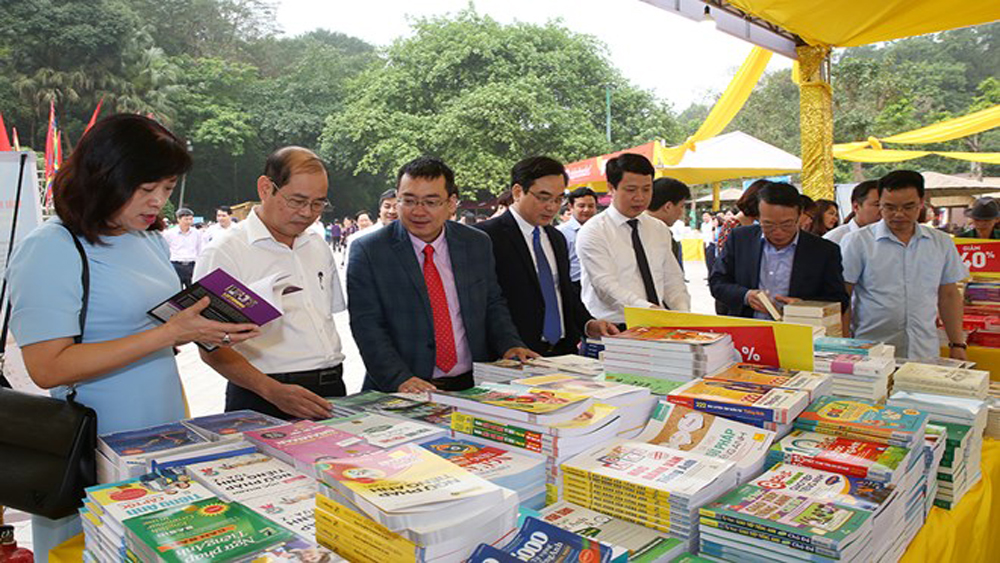 Book fair, Hung Kings Temple Festival, historical relic site, worshipping rituals, Nghia Linh Mountain, national commemorative anniversary