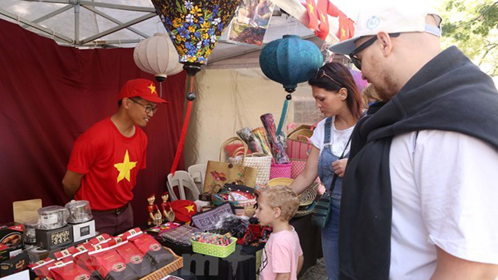 Vietnamese culture introduced at ASEAN Bazaar in Argentina
