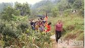 Gần 13 nghìn lượt du khách tham quan chùa Am Vãi