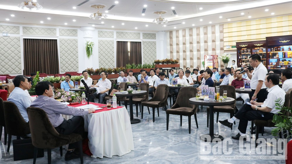 Bac Giang province, management capacity, Business Association, Business Coffee program,  management capacity, administrative procedures, integration period