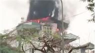 9 người thoát khỏi vụ cháy nhà 5 tầng ở Hà Nội