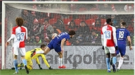 Chelsea thắng phút cuối nhờ bàn của hậu vệ