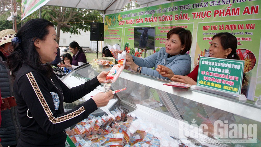 Bảo đảm vệ sinh an toàn thực phẩm: Nâng cao nhận thức đi đôi với kiểm tra, giám sát