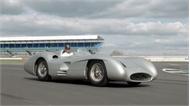 Nhà vô địch F1 trải nghiệm siêu xe cổ của Mercedes