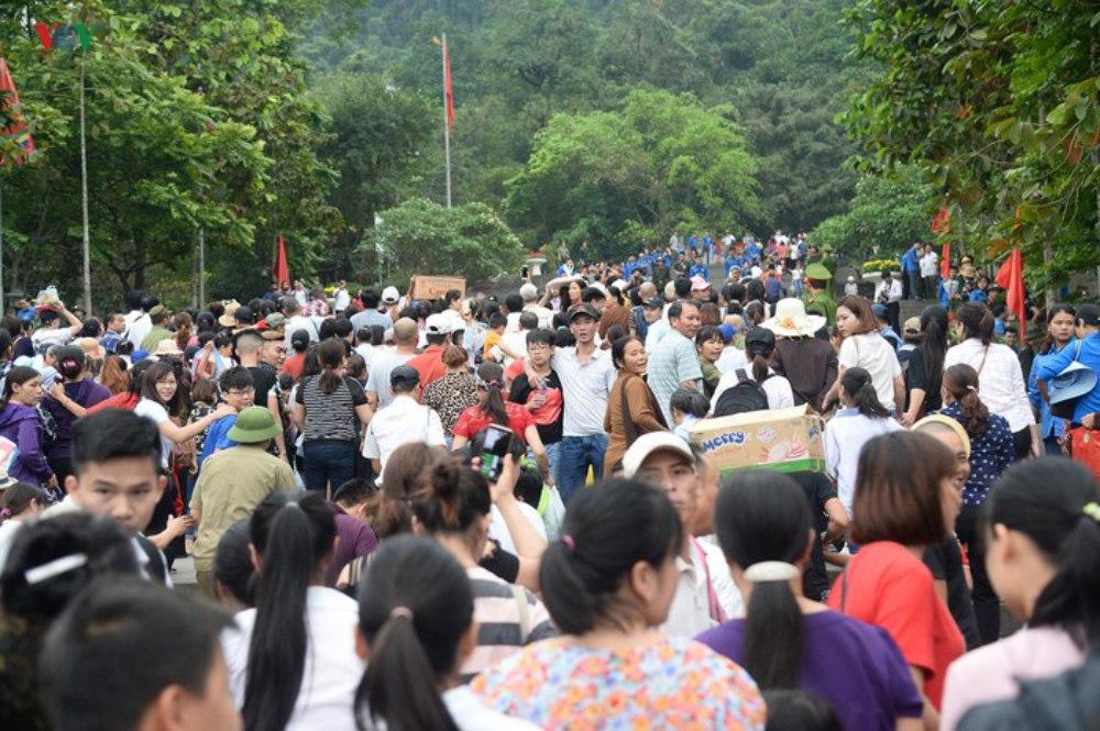 Đền Hùng, Vua Hùng, Phú Thọ, du khách, chính hội