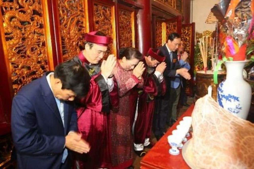 Vua Hùng, Điện Kính Thiên, Đền Hùng, giỗ Tổ Hùng Vương, công đức, tưởng niệm