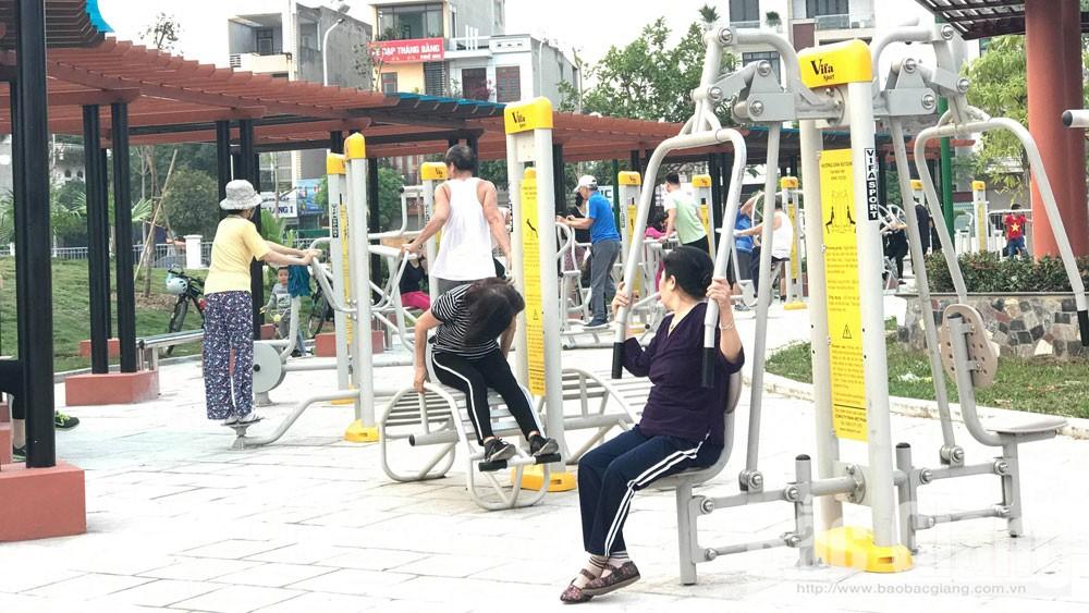 Khu vui chơi, cho người cao tuổi, tại công viên Hoàng Hoa Thám