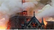 Clip: Nhà thờ Đức Bà Paris bốc cháy dữ dội