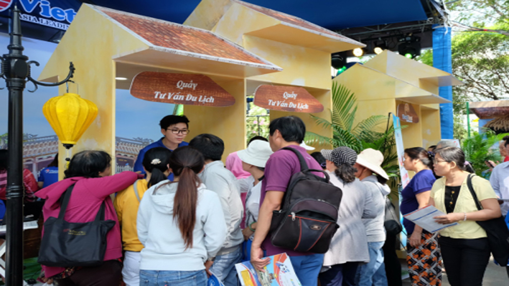 HCM City, tourism festival, Happy Summer 2019, total sales, travel agencies, overseas tour packages, discounted tickets