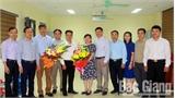 Đồng chí Nguyễn Văn Quảng giữ chức Trưởng Phòng Nội vụ huyện Hiệp Hòa