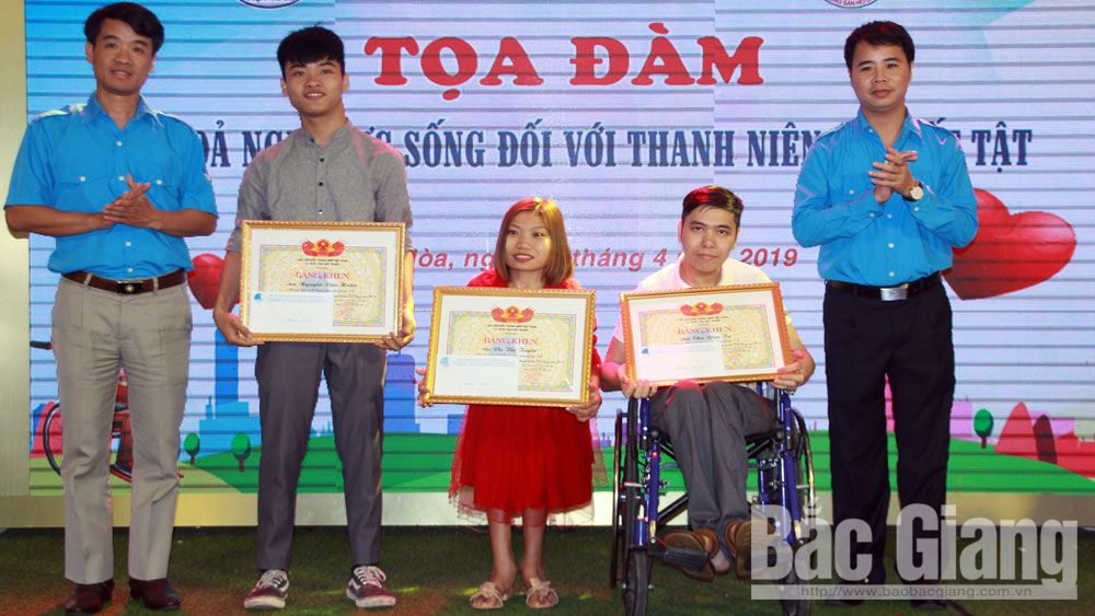Fate conquering, Bac Giang province, self affirmation, physical disabilities, social activities, online photoshop division, business startup, charity activities