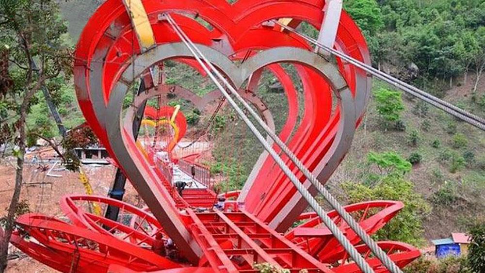 Cầu kính tình yêu 5D, Tây Bắc, Mộc Châu, Sơn La
