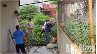 Ra quân xử lý vi phạm hạ tầng phía sau khu dân cư tại phường Xương Giang