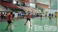 Gần 200 VĐV thi đấu giải cầu lông truyền thống công chức, viên chức, lao động