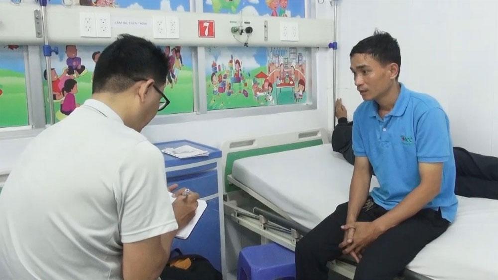 Vụ nam sinh bị đánh hội đồng ở An Giang: Họp hội đồng kỷ luật, phụ huynh bỏ về vì không đồng tình