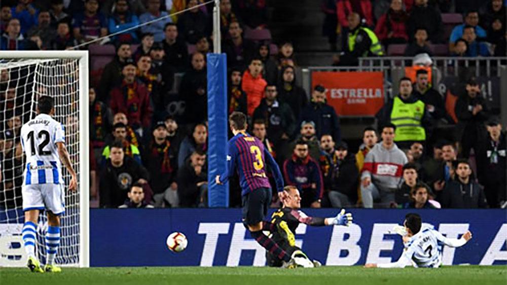Hàng thủ tỏa sáng, Barca tiến gần hơn tới La Liga