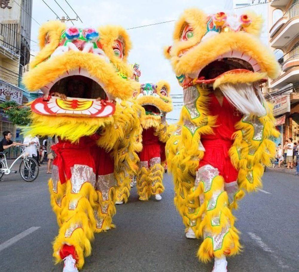 HCM City, Kylin-Lion-Dragon Dance champs, thrill audiences, The Garden Mall, national and regional championships,  traditional art