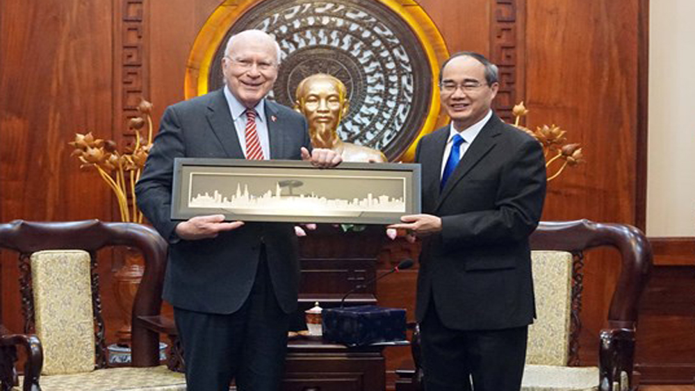 US Senate delegation welcomed in HCM City