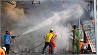 Cháy lớn thiêu rụi hàng nghìn m2 nhà xưởng tại KCN Mỹ Phước 2, Bình Dương