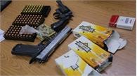 Bắt giữ đối tượng vận chuyển súng, đạn quân dụng từ nước ngoài về Việt Nam