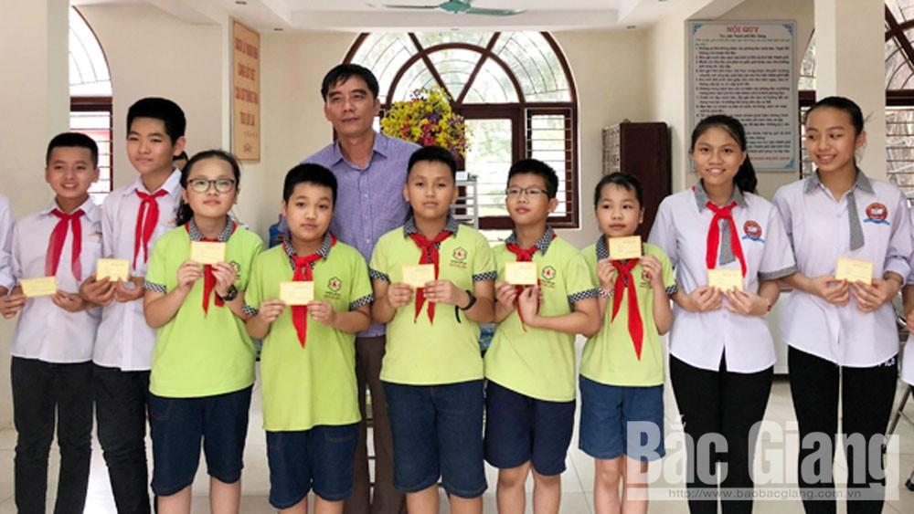 Tặng thẻ bạn đọc miễn phí tại Thư viện TP Bắc Giang