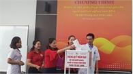 Khám, điều trị miễn phí và đặt thùng quỹ nhân đạo tại Bệnh viện Mắt Quốc tế Bắc Giang