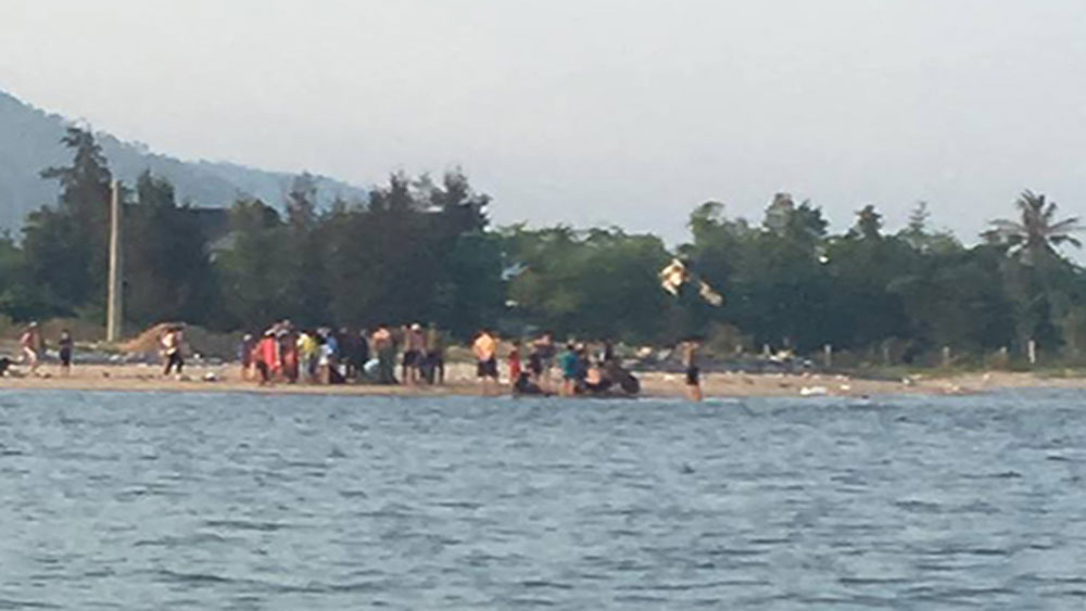 Hai thanh niên ở Quảng Bình cứu 5 em nhỏ thoát chết đuối