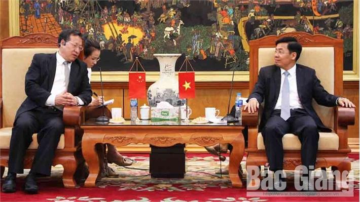 Phó Chủ tịch UBND tỉnh Dương Văn Thái làm việc với Đoàn công tác Đại sứ quán Trung Quốc tại Việt Nam
