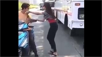 Cô gái giả mù cướp xe máy của chàng trai trong nháy mắt
