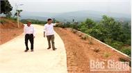 Làm đường giao thông nông thôn ở Lục Ngạn: Khi nghị quyết đi vào lòng dân