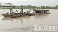 Bắt giữ tàu khai thác cát trên sông Lục Nam