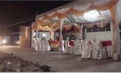Ô tô lao thẳng vào rạp cưới dựng giữa đường, nhiều người bỏ chạy