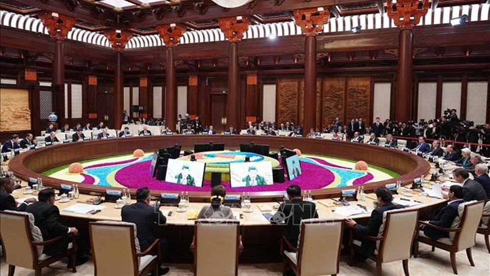 """Thủ tướng Nguyễn Xuân Phúc, Hội nghị bàn tròn, Diễn đàn cấp cao hợp tác quốc tế """"Vành đai và Con đường"""""""