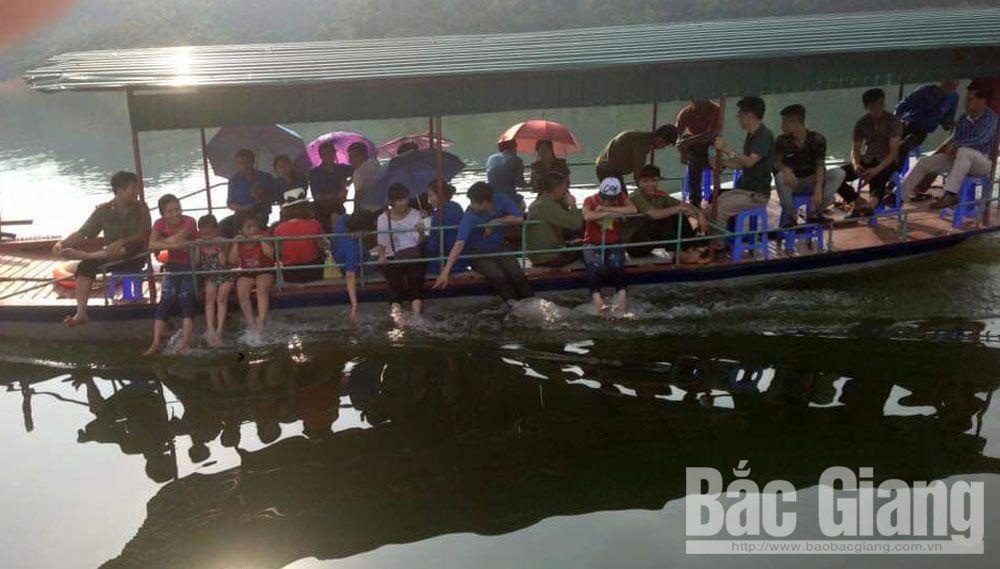 Lục Ngạn, hồ cấm sơn, du khách, kỳ nghỉ lễ
