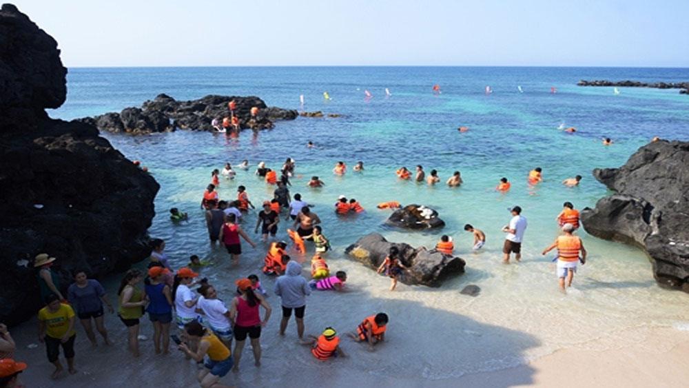 15.000 du khách, đảo Lý Sơn, dịp lễ 30-4