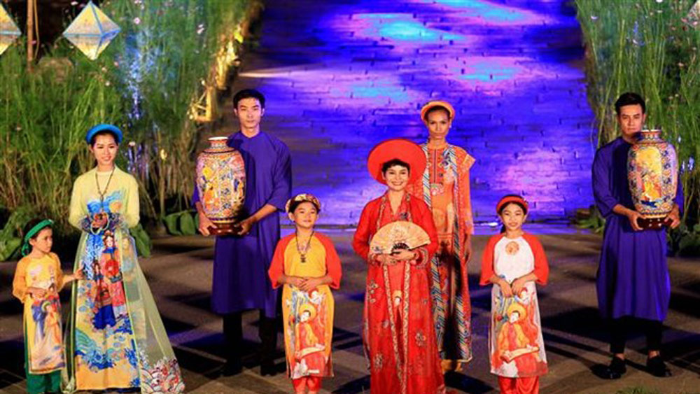 Thua Thien-Hue, ao dai festival, Vietnam's national dress, most-anticipated activities,  Hue Traditional Craft Festival 2019, traditional cultural values