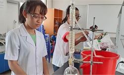 Sinh viên tạo tá dược từ hạt mít giúp thuốc tan trong 6 phút