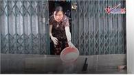 Phố Hà Nội ngập hơn 14 tiếng, cả nhà thay nhau tát nước