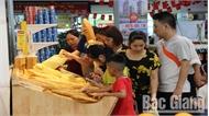 Thị trường dịp nghỉ lễ: Hàng hóa thiết yếu tiêu thụ mạnh