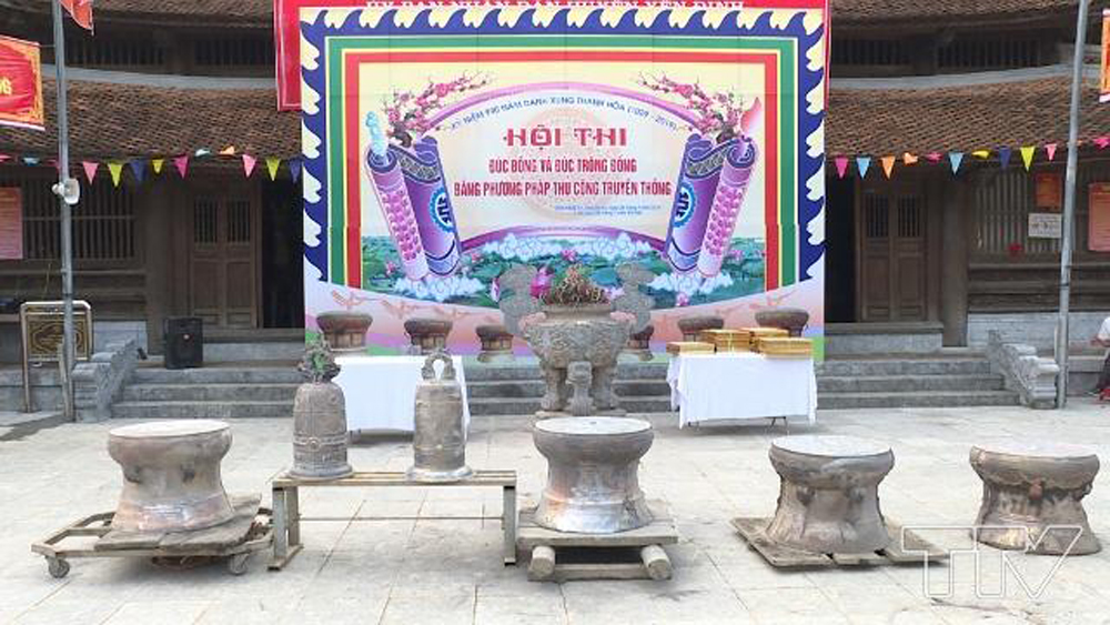Thanh Hoa province, bronze drum casting contest, traditional crafting methods, 990th founding anniversary, artisans and skilled workers