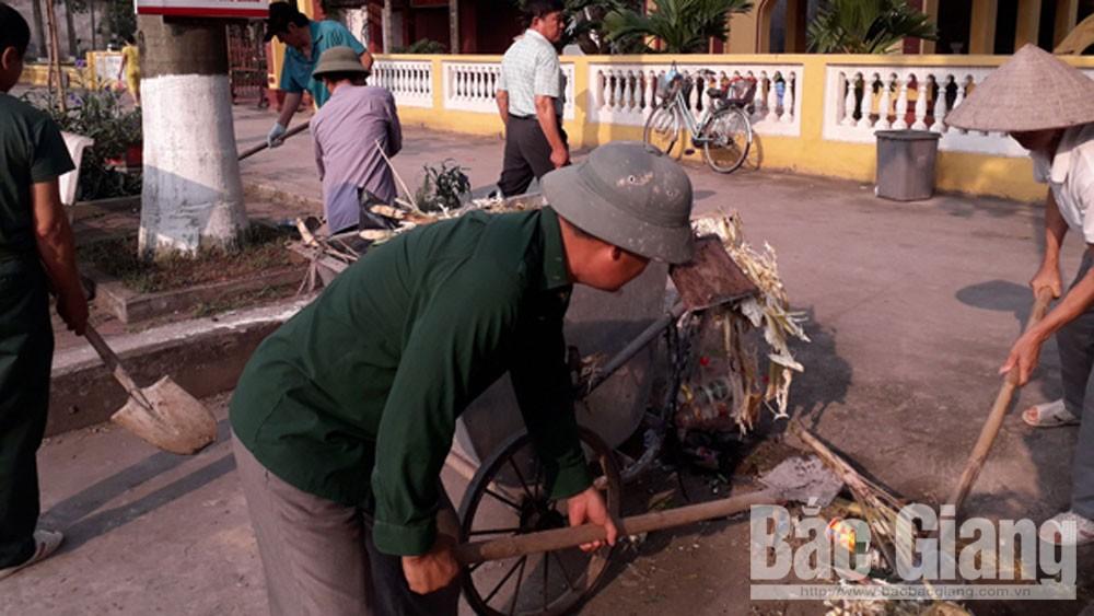 Hội Cựu chiến binh, xã Đồng Sơn, ra quân vệ sinh môi trường