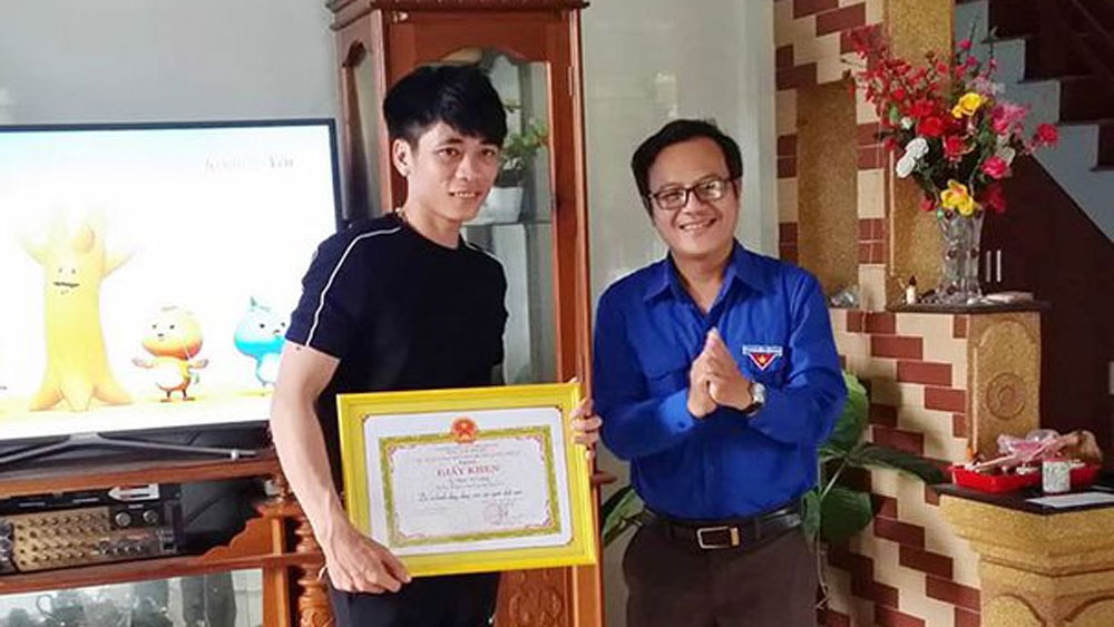 Quảng Bình, khen thưởng, đoàn viên thanh niên dũng cảm, cứu sống 5 người bị đuối nước, Phạm Thế Cường, Võ Khánh Thành