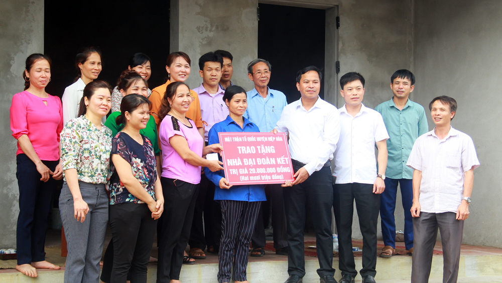 450 great unity houses built and repaired in Bac Giang province