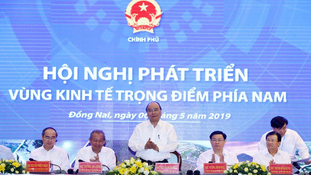Thủ tướng Chính phủ Nguyễn Xuân Phúc chủ trì Hội nghị phát triển vùng kinh tế trọng điểm phía Nam