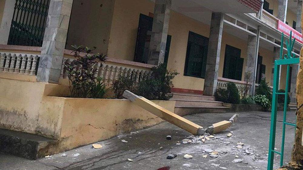 Một học sinh tử vong, vụ cột bê tông rơi ở trường học, em Lê Quang Minh, Trường THCS thị trấn Đà Bắc