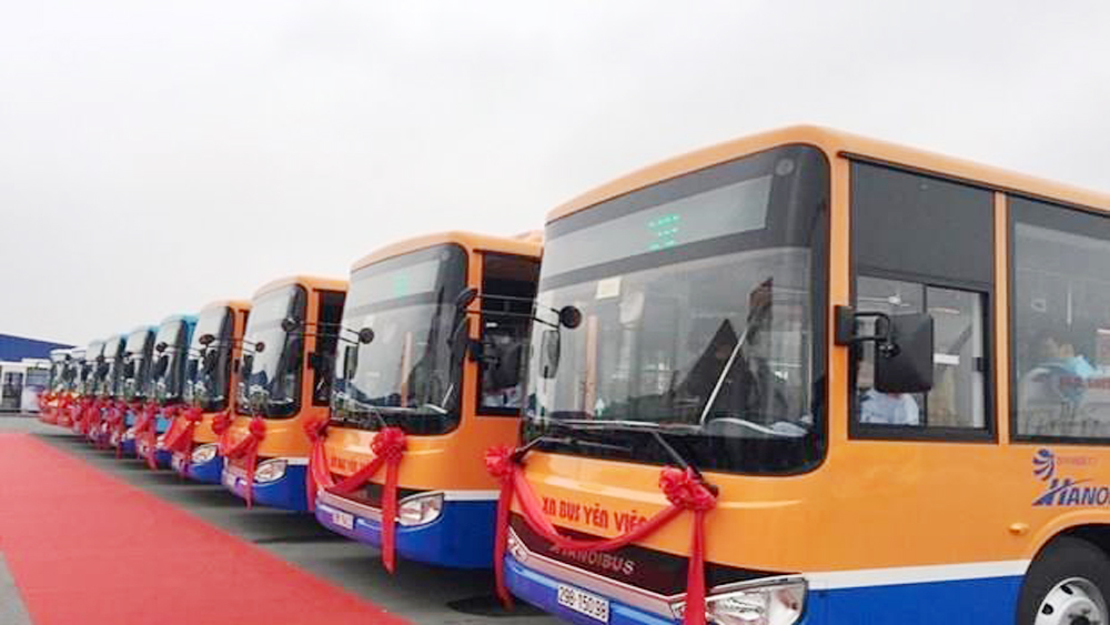New bus route to link Hanoi's outlining district to int'l airport