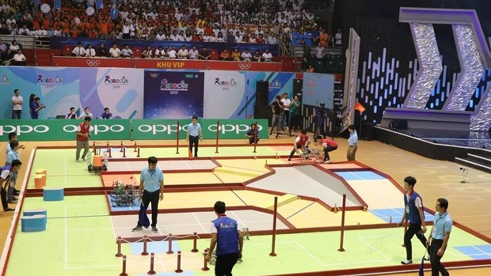 Final round of Vietnam robot contest 2019 opens
