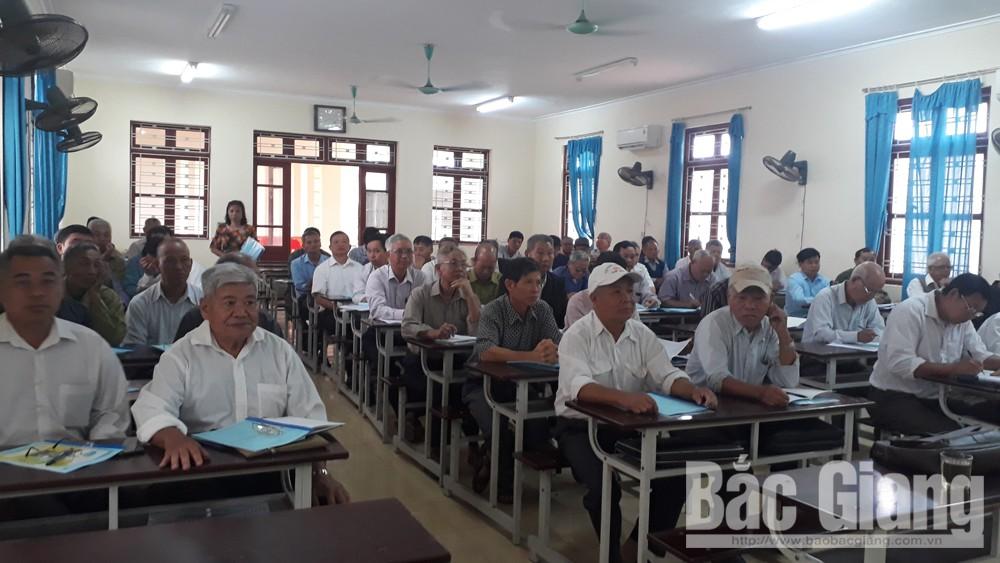 Lục Nam thông tin thời sự, bồi dưỡng kiến thức cho người có uy tín vùng dân tộc thiểu số