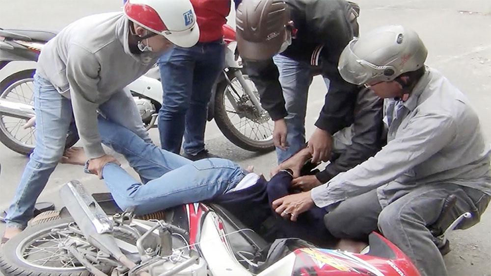 Cảnh sát vây bắt, pha chế ma tuý ở TP Hồ Chí Minh, Lê Thanh Tuấn, Trần Thiên Bảo, Ngô Văn Hùng
